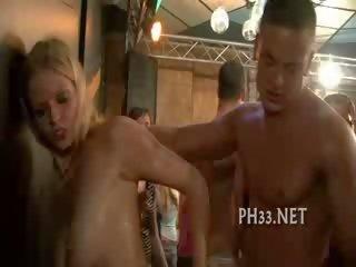 Anya és néni pornó videó